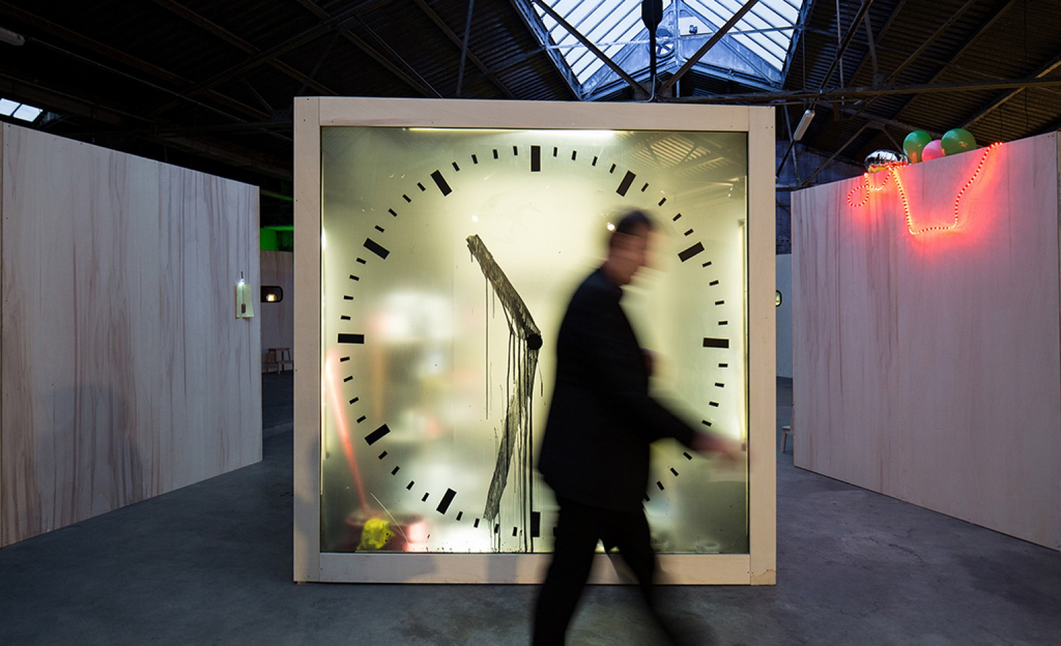 Maarten Baas Makes Time – Photo Nick Bookelaar